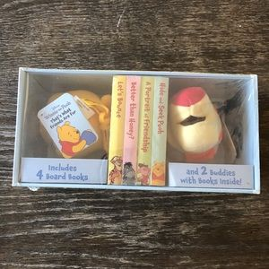 WINNIE THE POOH Book and Buddy Set Baby Gift 🎁
